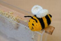 crochet bee honeycomb